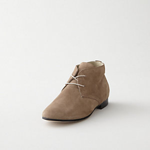 SOFT SUEDE LACE UP CHUKKA