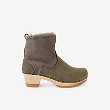 MID-HEEL PULL-ON SHEARLING CLOG BOOT