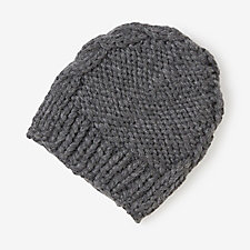 CABLE KNIT BEANIE
