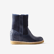 HIDDEN HEEL SHEARLING BOOT