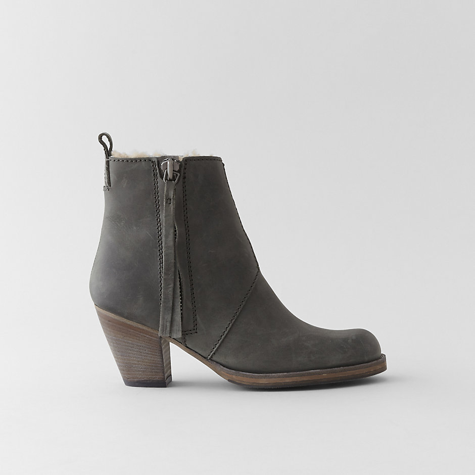 PISTOL SHORT BOOT W/ SHEARLING LINING