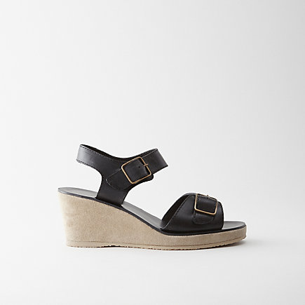BUCKLED WEDGE SANDAL