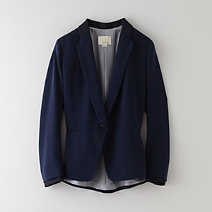PLEAT BACK BLAZER W/ SATIN COLLAR