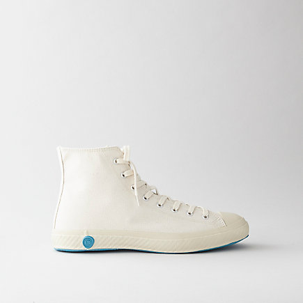 HIGH TOP CANVAS SHOE