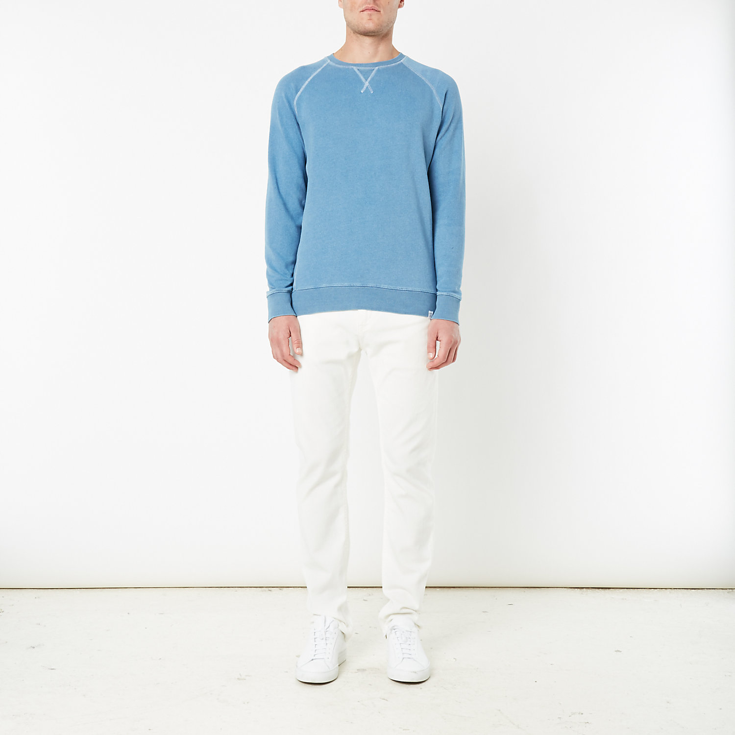 TRISTAN LIGHT INDIGO SWEATSHIRT