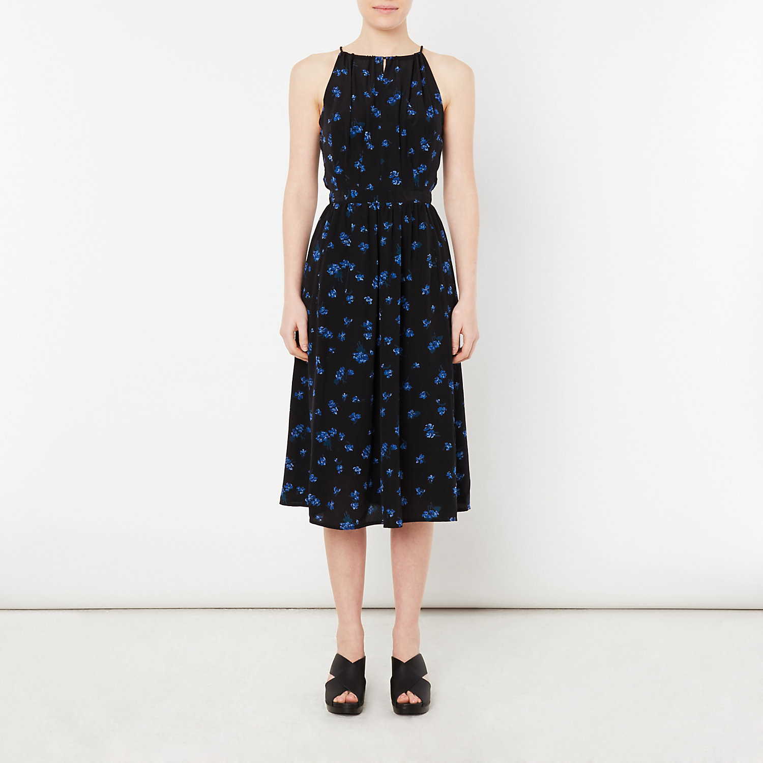 VIOLA KEY HOLE DRESS