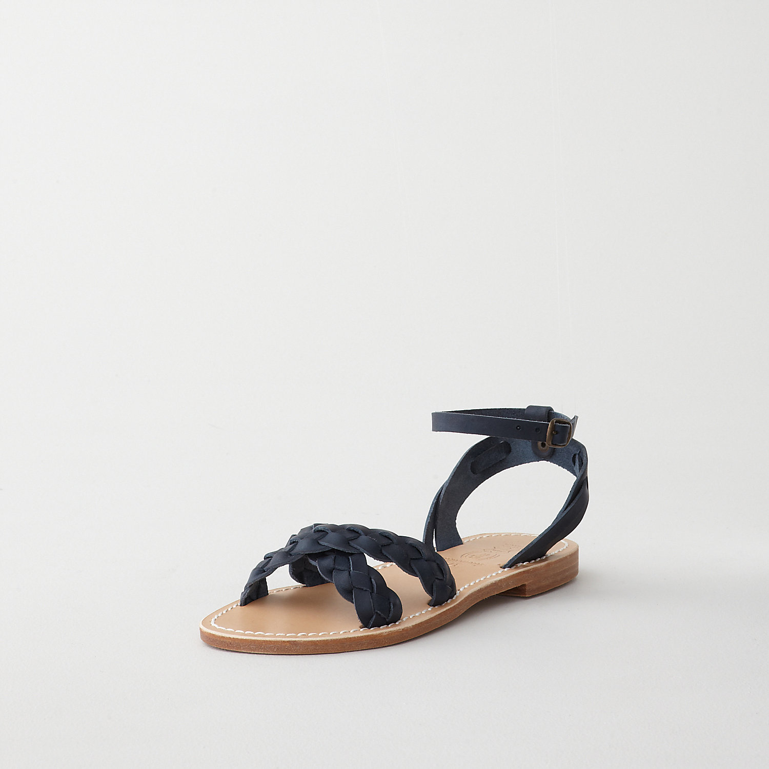 CRISS CROSS LEATHER SANDAL