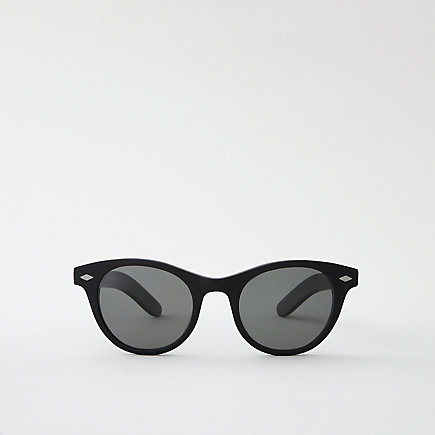MATTE BLACK THAYER SUNGLASSES