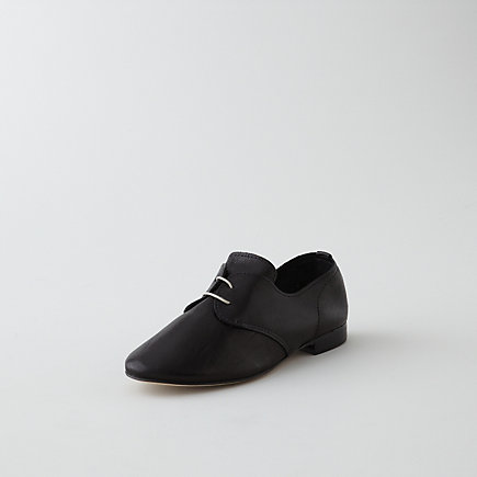 Soft Lux Oxford Lace-Up