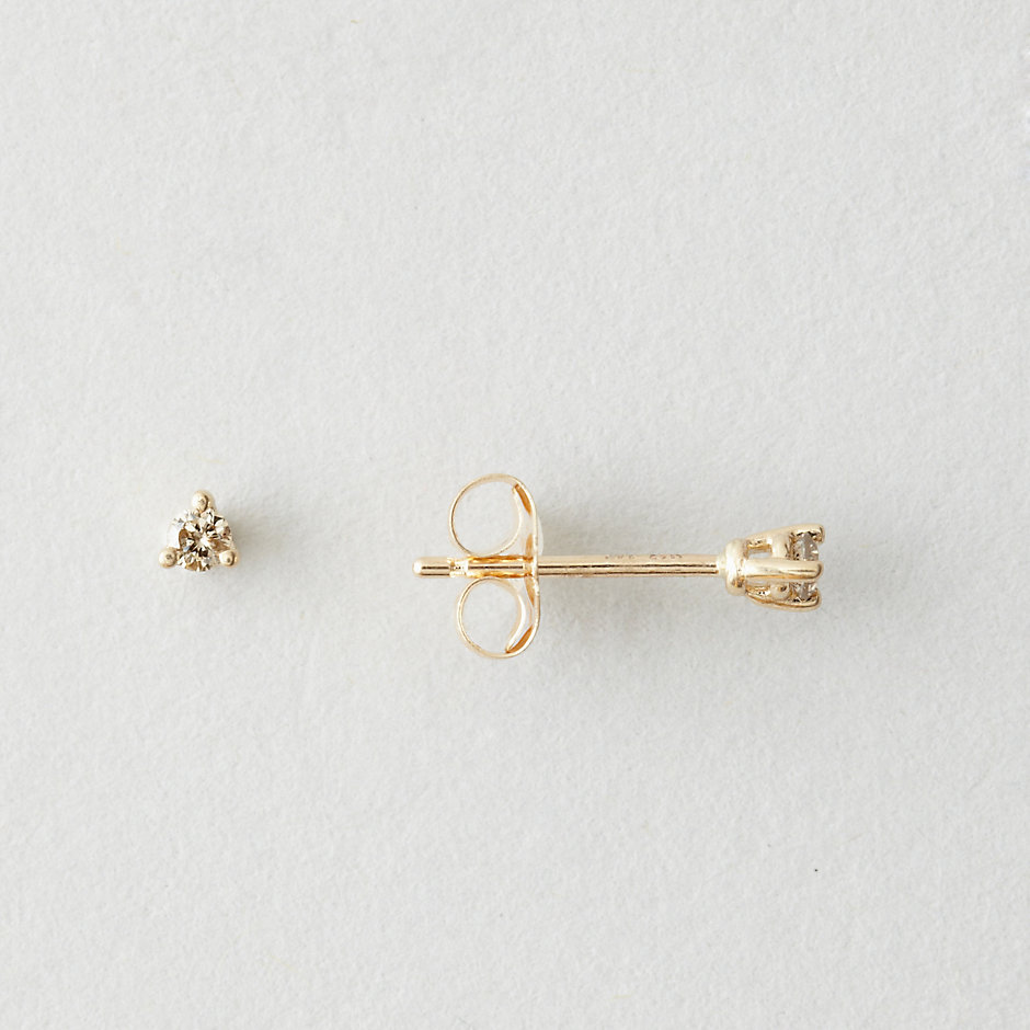 TINY CHAMPAGNE DIAMOND STUD