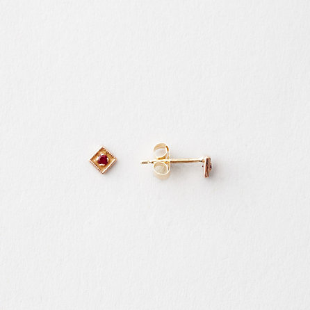 RUBY SQUARE FILIGREE STUD