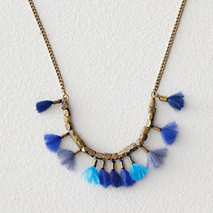 WHO AGAIN MULTI THREAD TASSEL NECKLACE