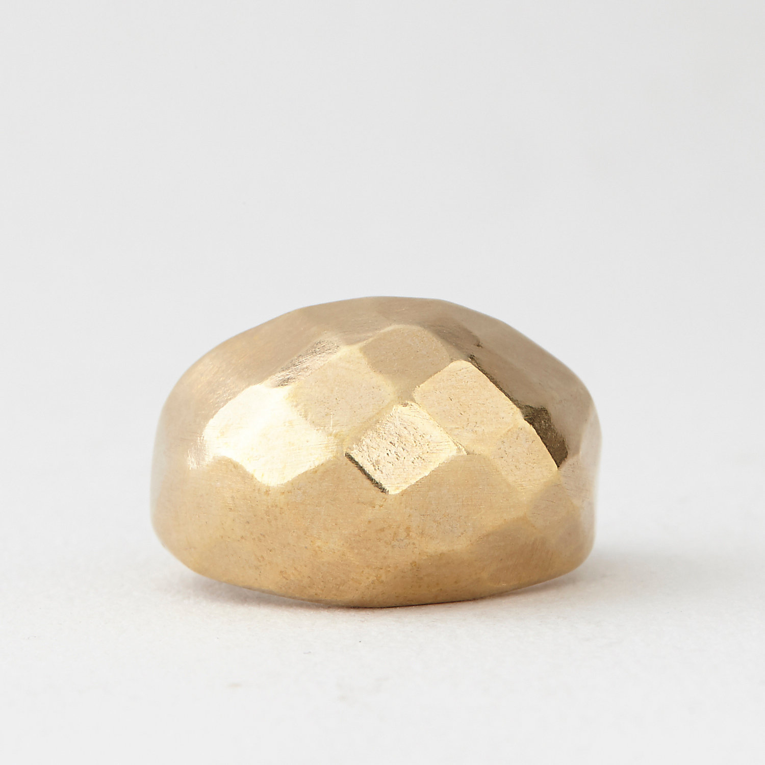 FACETED COCKTAIL RING