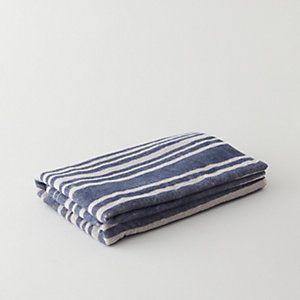 NAVY STRIPES BEACH TOWEL