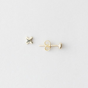 X O EARRINGS