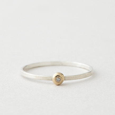 DOT RING WITH DIAMOND