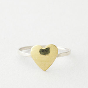 BITTY HEART RING