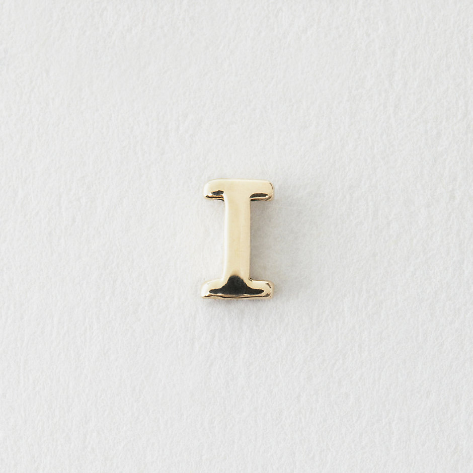 MINI LETTER STUD EARRING - I
