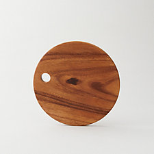 ROUND ACACIA CUTTING BOARD