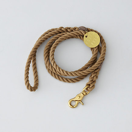 NATURAL STANDARD LEASH BRASS - MEDIUM