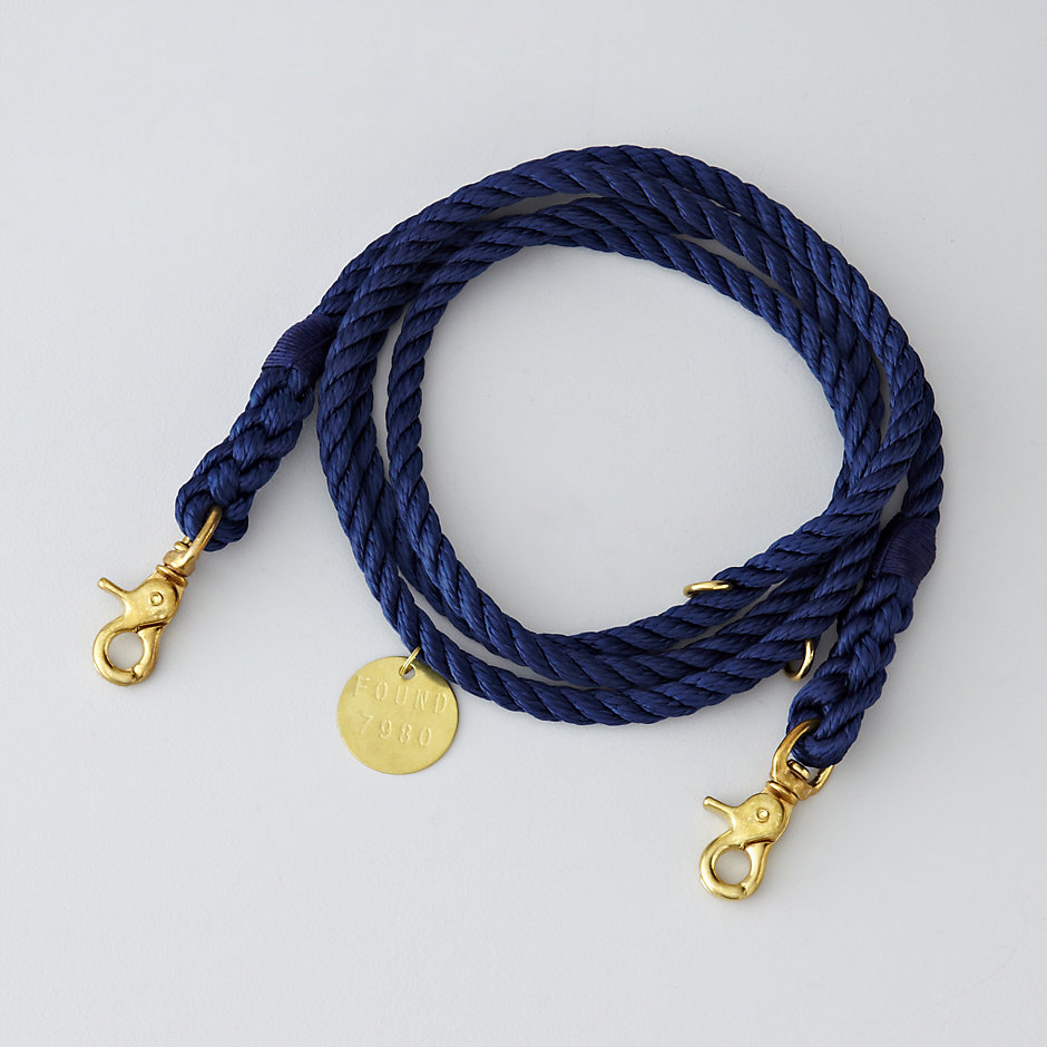 NAVY LEASH MOVABLE RINGS