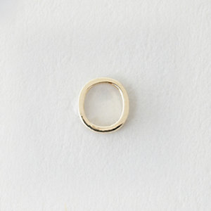 MINI LETTER STUD EARRING - O