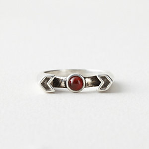 CHEVRON REVEAL RING
