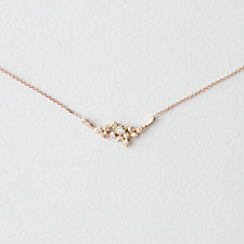 12 CLUSTER DIAMOND NECKLACE