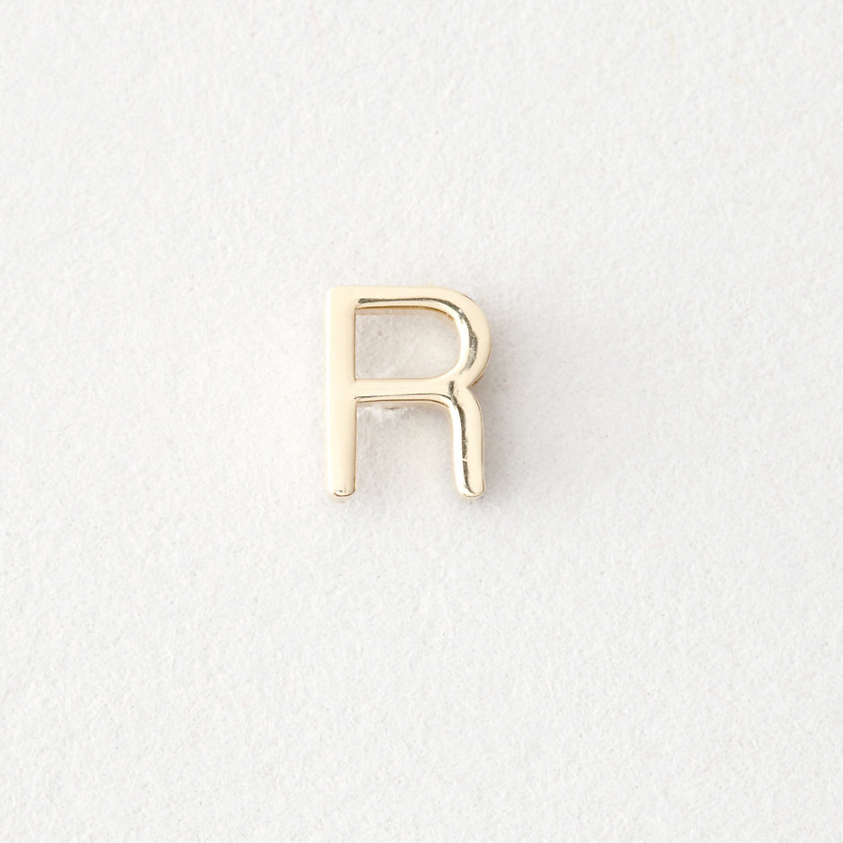 MINI LETTER STUD EARRING - R