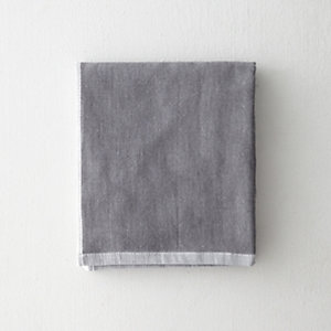 TWO TONE CHAMBRAY FACE TOWEL