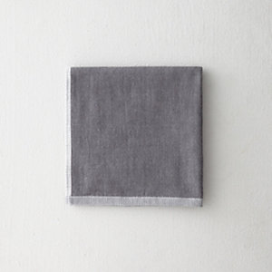 TWO TONE CHAMBRAY GUEST TOWEL