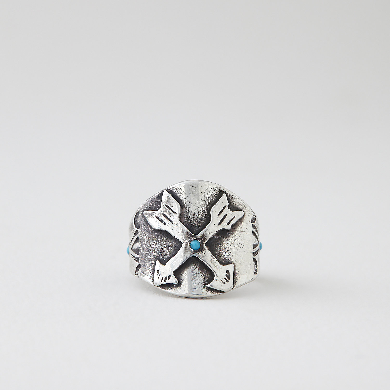 CROSSED ARROWS RING