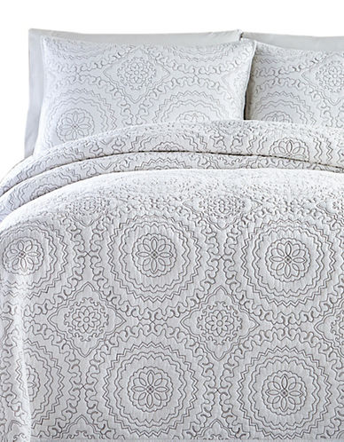 Jessica Simpson Medallion Three-Piece Coverlet Set-GREY-King