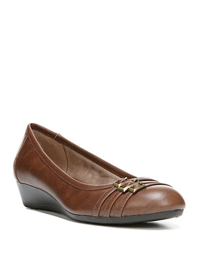 Lifestride Farrow Low Wedge Pumps-TAN-6.5