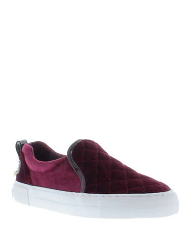 G By Guess Womens Quilted Velvet Slip-On Sneakers-WINE-9.5