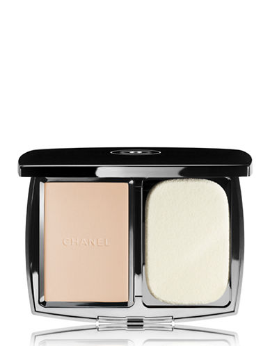 Chanel VITALUMIÈRE COMPACT DOUCEUR Lightweight Compact Makeup Radiance Softness and Comfort-22 BEIGE ROSE-13 g