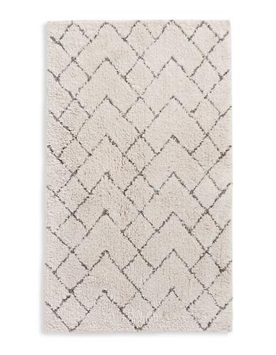 Distinctly Home Geometric Bath Rug-SILVER-21x34
