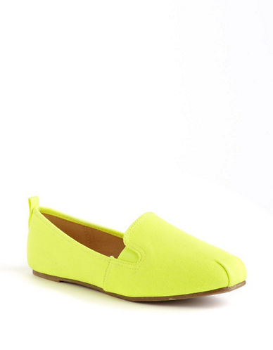 MATERIAL GIRL Mynear neon yellow Size 8