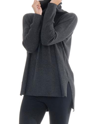 Paper Label Turtleneck Sweater-GREY-Large