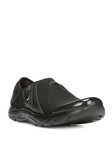 Bzees By Naturalizer Round Toe Balance Sneakers-BLACK-10