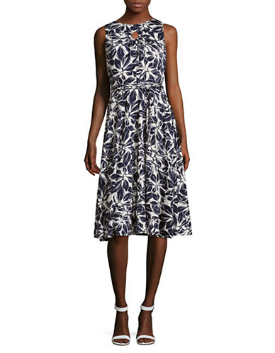 Gabby Skye Sleeveless Floral Keyhole Midi Dress-NAVY/IVORY-10