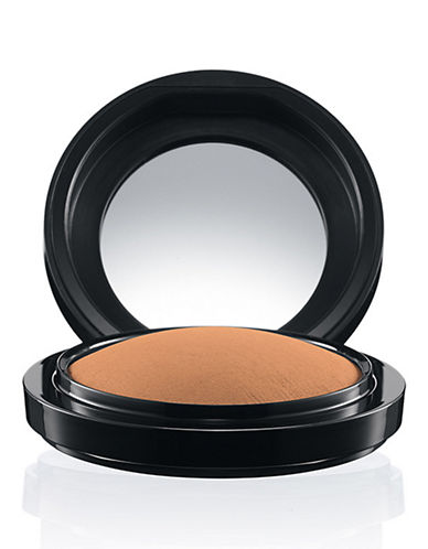 M.A.C Mineralize Skinfinish Natural-DARK-One Size