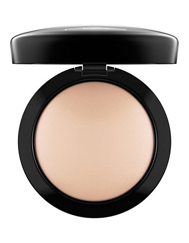 M.A.C Mineralize Skinfinish Natural-LIGHT PLUS-One Size