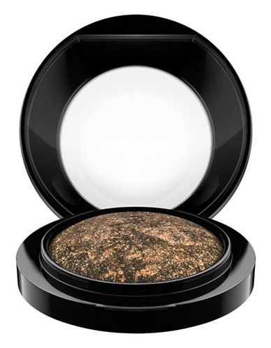M.A.C Mineralize Eye Shadow-GILT BY ASSOCIATION-One Size