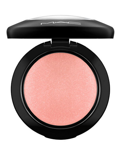 M.A.C Mineralize Blush-NEW ROMANCE-One Size
