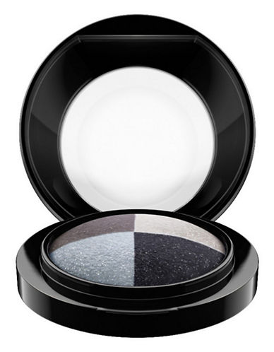 M.A.C Mineralize Eye Shadow - Quad-FOG AND MIST-One Size