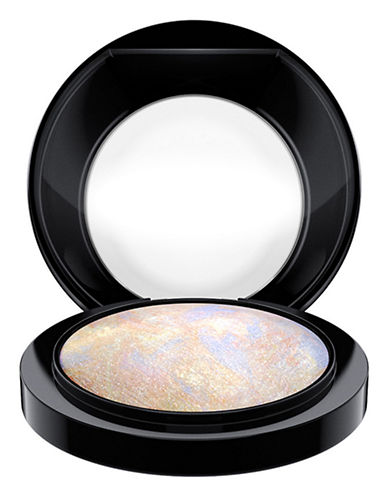 M.A.C Mineralize Skinfinish-LIGHTSCAPADE-One Size