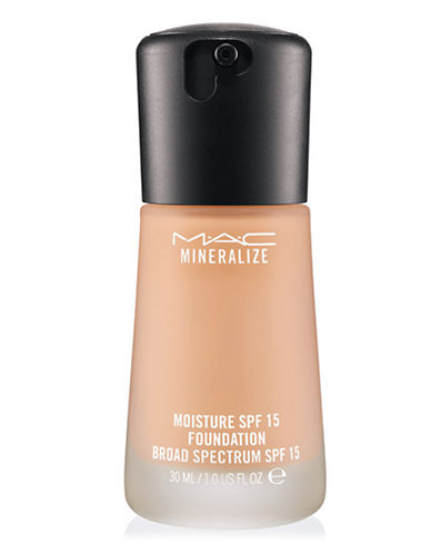 M.A.C Mineralize Moisture Foundation-NW15-One Size
