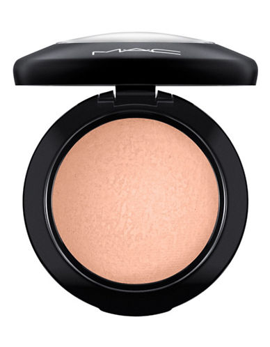 M.A.C Mineralize Blush-COSMIC FORCE-One Size