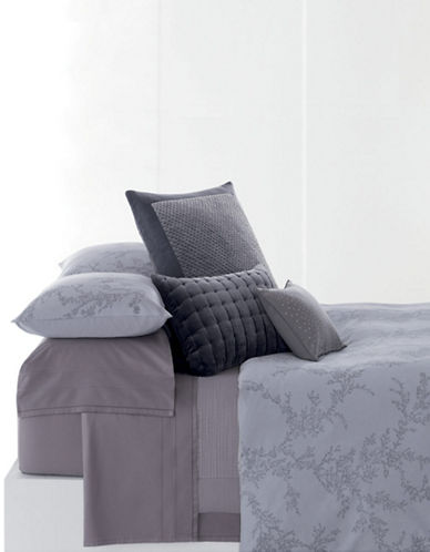 Vera wang Trailing Vines Queen Pillow Case Set Of 2 purple Queen